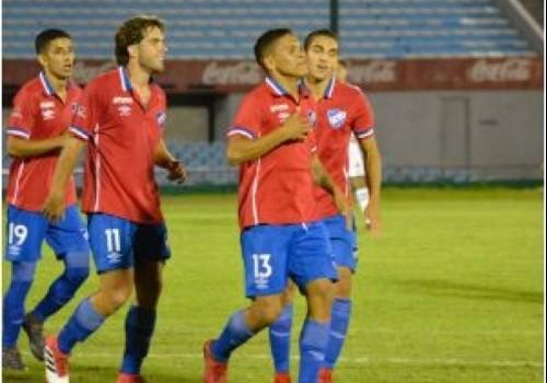 Nacional ganó con lo justo ante Wanderers: 1 a 0