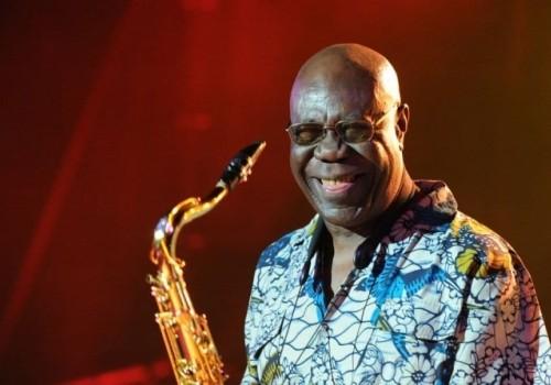 Muere de coronavirus el saxofonista de jazz Manu Dibango
