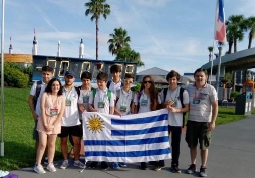 8 estudiantes de Maldonado ganan certamen de la NASA