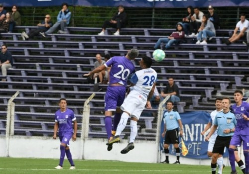 Agónico empate de Defensor Sporting ante Juventud: 1-1