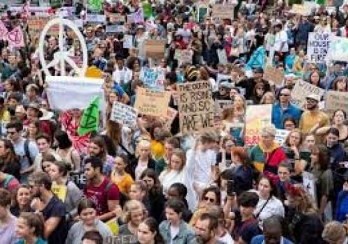 Masiva marcha en Madrid reclama acciones por el cambio climático