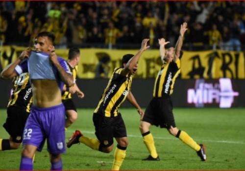Peñarol le ganó 3-1 a Defensor Sporting