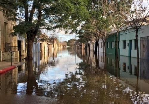 2460 personas permanecen desplazadas por las inundaciones