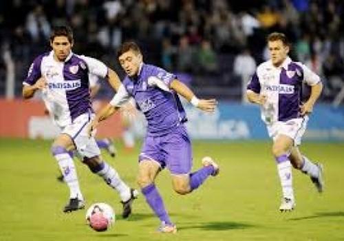 Defensor Sporting dio vuelta el partido ante Fénix por 2…